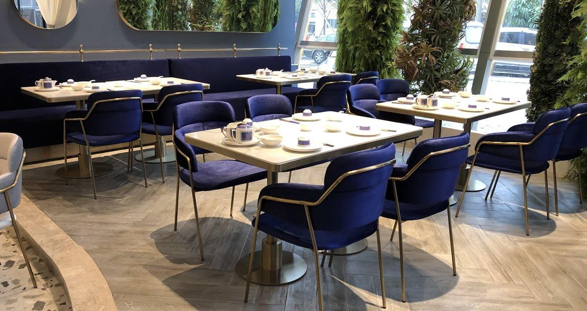 restaurant booths & Tables